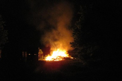 picture of bonfire burning at night