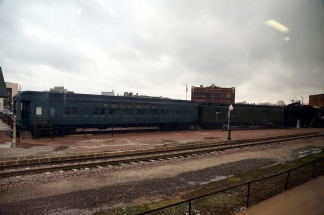 03 galesburg-train